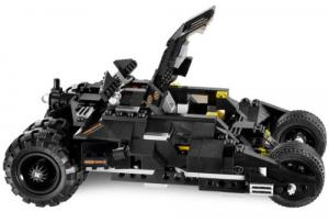 LEGO Batman 7888 The Tumbler: Joker´s Ice Cream Surprise with batmobil