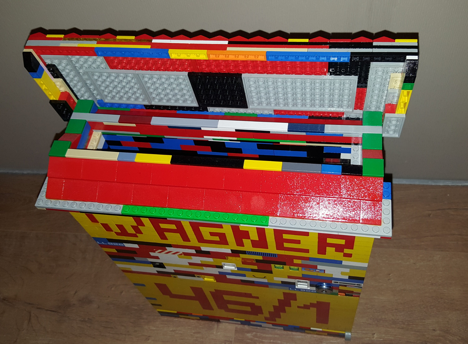 briefkasten aus lego steine. Black Bedroom Furniture Sets. Home Design Ideas