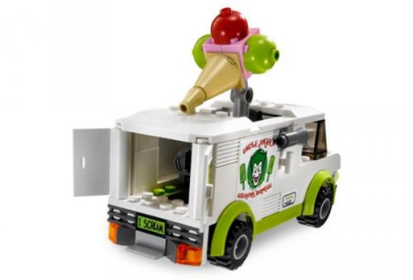 LEGO Batman 7888 The Tumbler: Joker´s Ice Cream Surprise with Ice Cream car